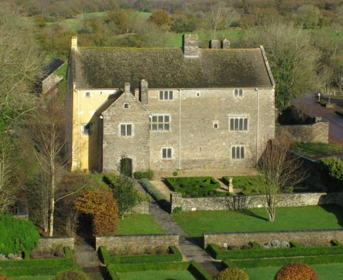 Manor House aerial view from SE